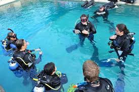 PADI 5 STAR Instructor course Pattaya Thailand IDC www.real-divers.com