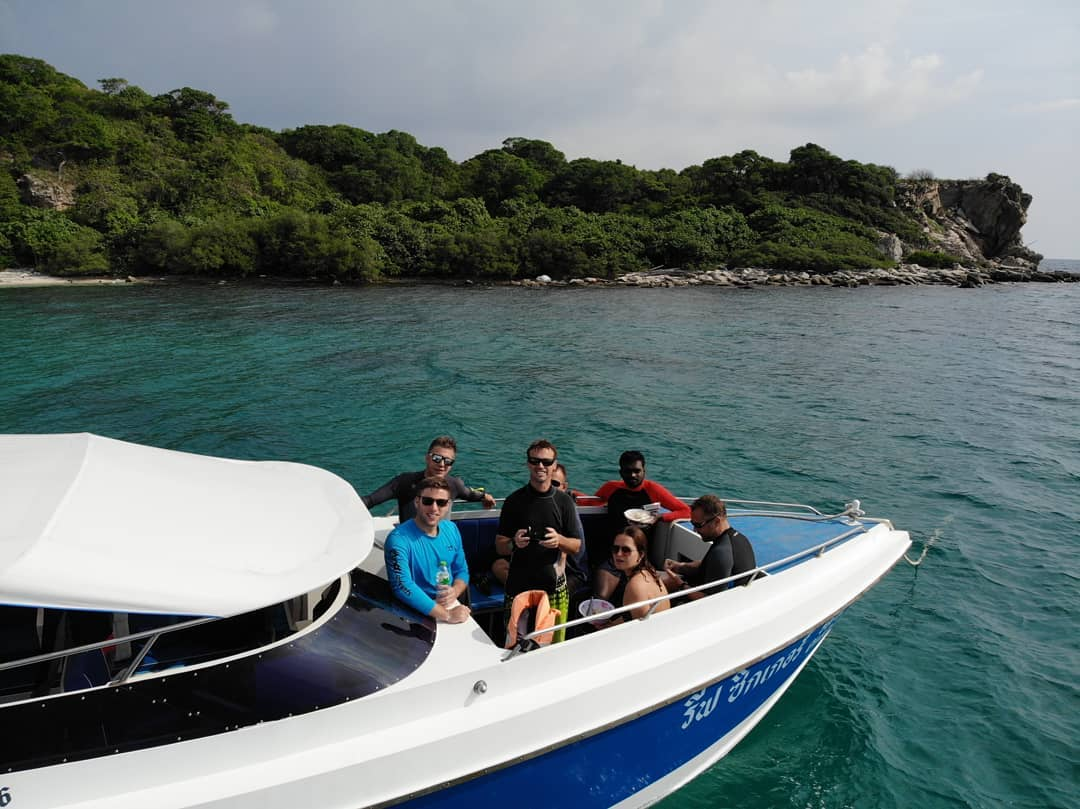 pattaya scuba diving internship www.real-divers.com
